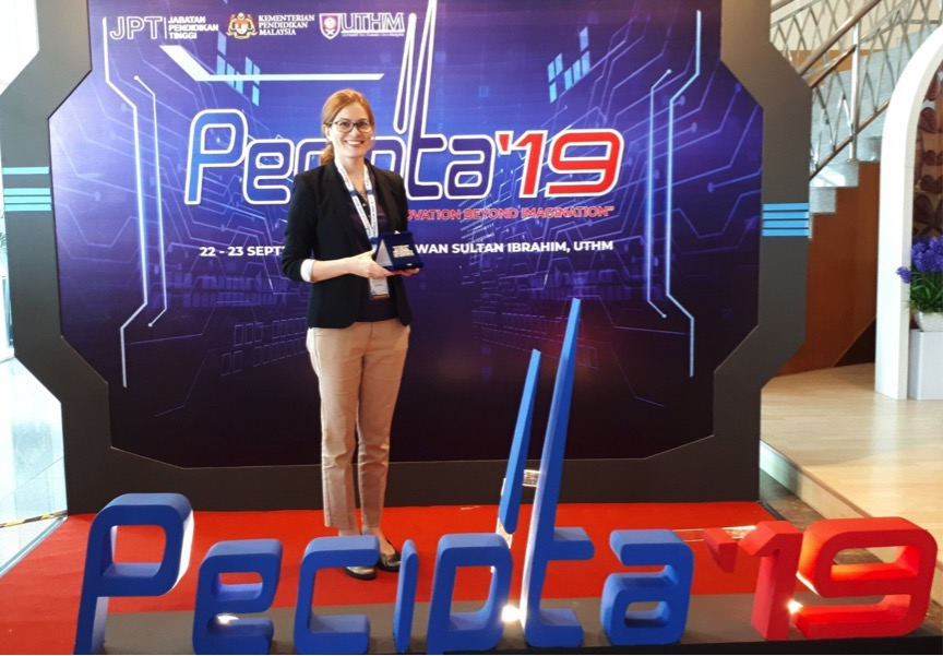 Dr. Golnoosh sharing her proud moment at the PECIPTA 2019